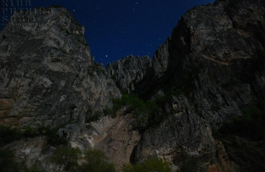 kanjon Jerme, noću